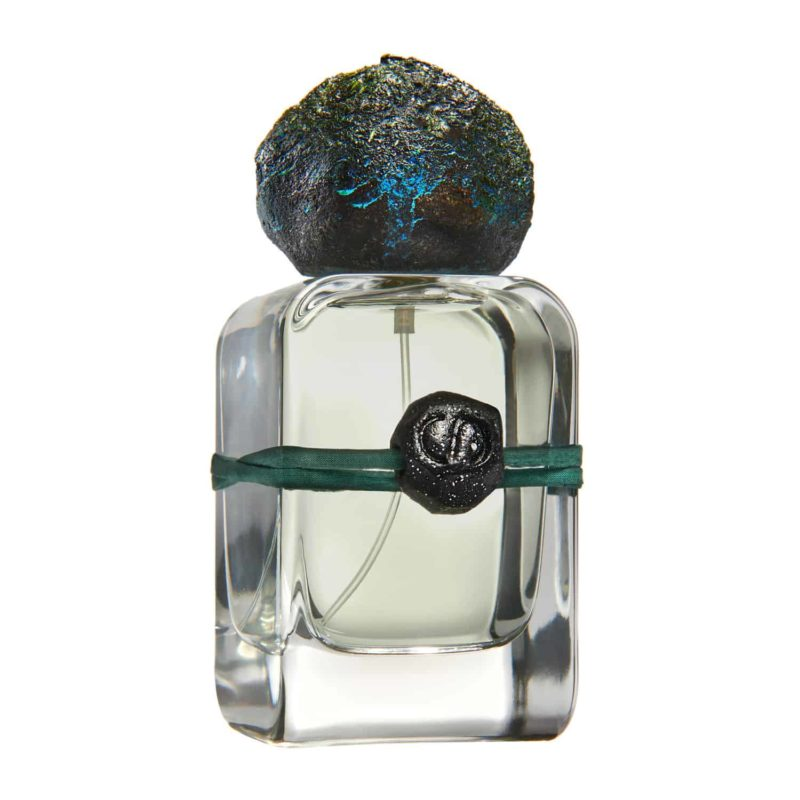 Sirio Extrait the Parfum flacon and artistic cap as pieces of stars